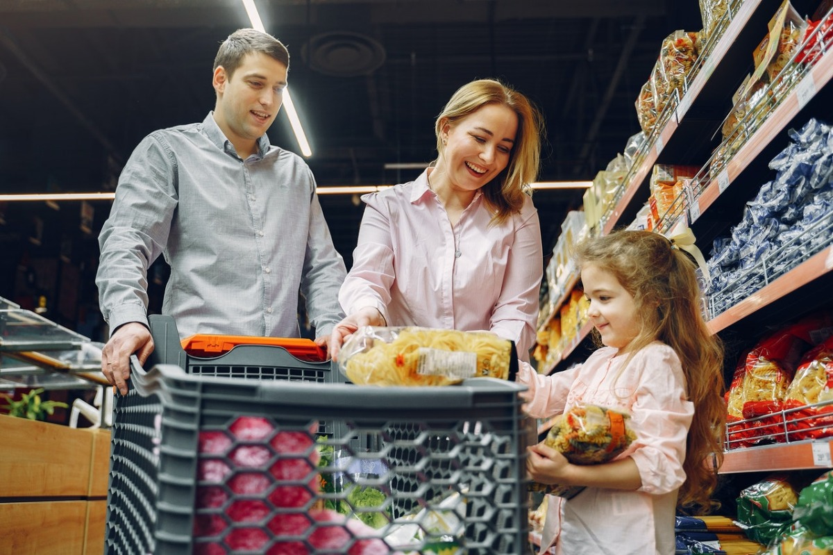 family at the grocery store