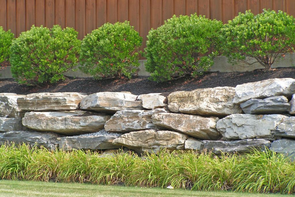 rocks retaining wall