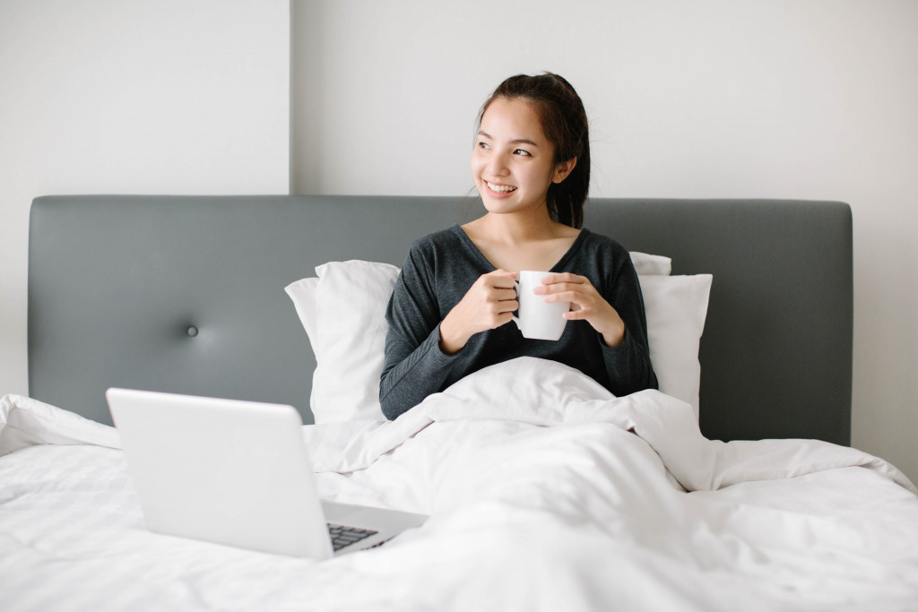 WFH Pitfalls: 5 Mistakes You Should Avoid While Working From Home